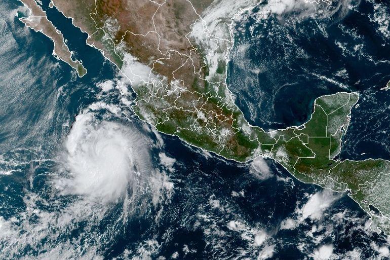 Tormenta Pamela se fortalece en costas del Pacífico mexicano