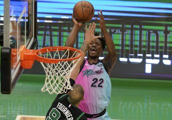 Butler termina fuerte y el Heat supera a Celtics