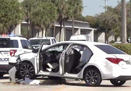 Dos heridos graves en aparatoso choque entre dos Toyotas en Coral Gables