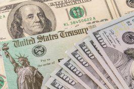 El IRS comenzará a enviar cheques de ayuda a padres