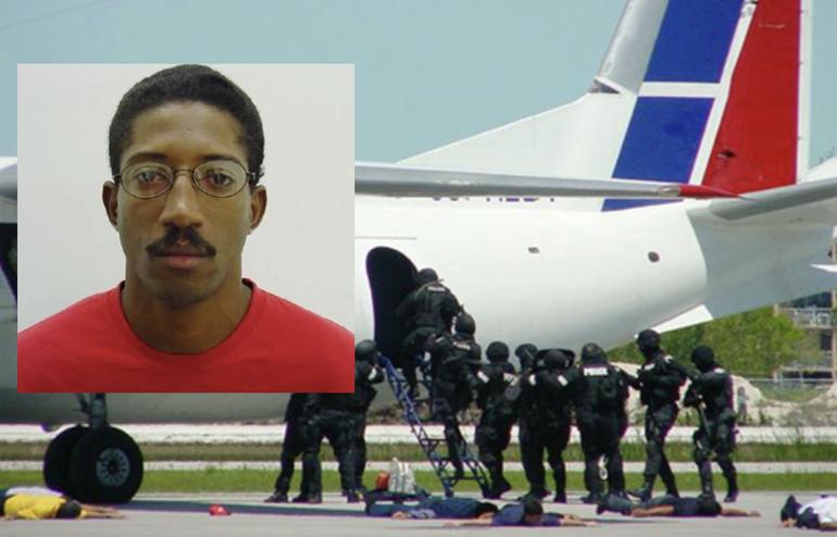 Liberan a cubano que secuestró un avión de pasajeros hacia Miami en 2003