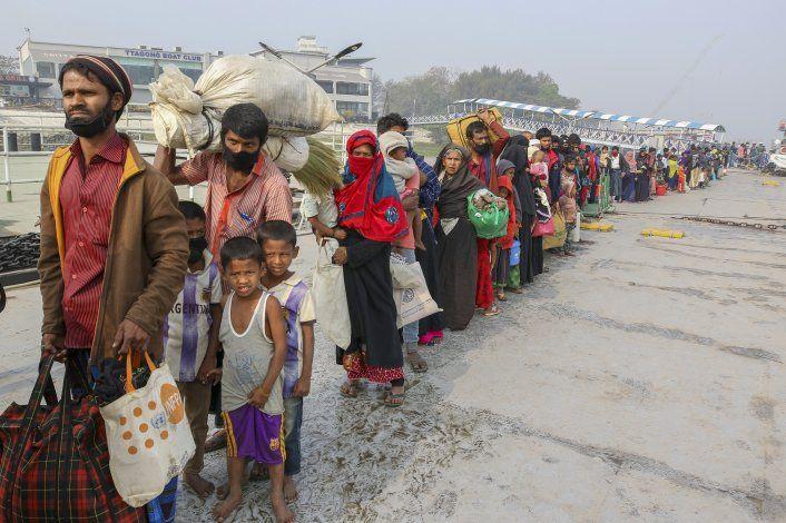 Barco con refugiados rohinya está a la deriva, alerta la ONU