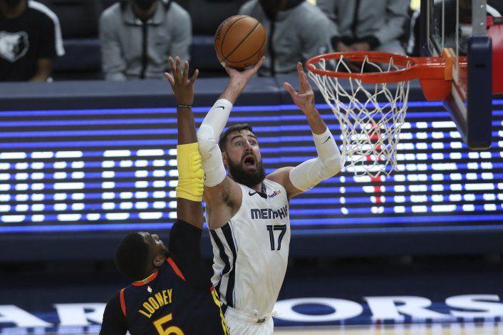 Fuente: Memphis envía a Valanciunas a los Pelicans