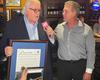 Presidente y CEO de América TeVé, Carlos Vasallo recibe las llaves de la ciudad de Hialeah