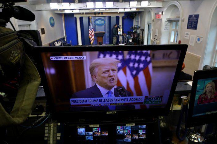 Trump no menciona a Biden en discurso de adiós