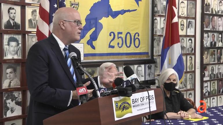Exiliados cubanos en Miami apoyan el paro nacional en Cuba