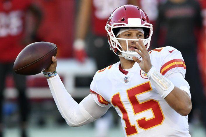 Mahomes vence a Brady en 6to triunfo seguido de Chiefs
