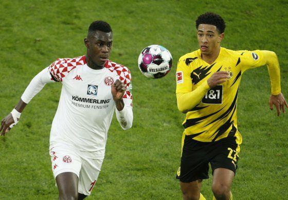 Borussia erra penal, empata 1-1 con Maguncia en Bundesliga