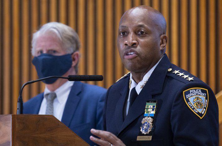 NY: Despiden a porteros por no intervenir en ataque a mujer