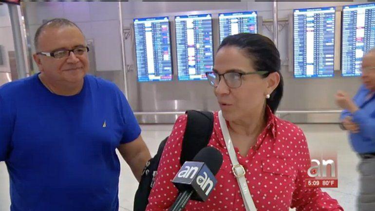 Miles de viajeros se movilizan durante el último viernes del año a través del Aeropuerto Internacional de Miami