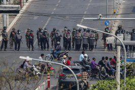 policia de myanmar endurece represion contra las protestas