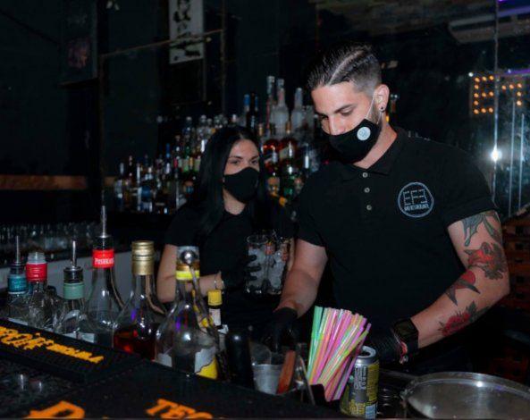 Cierran tres bares en La Habana por incumplir medidas contra coronavirus