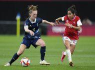 mujeres futbolistas abren nueva era de activismo olimpico