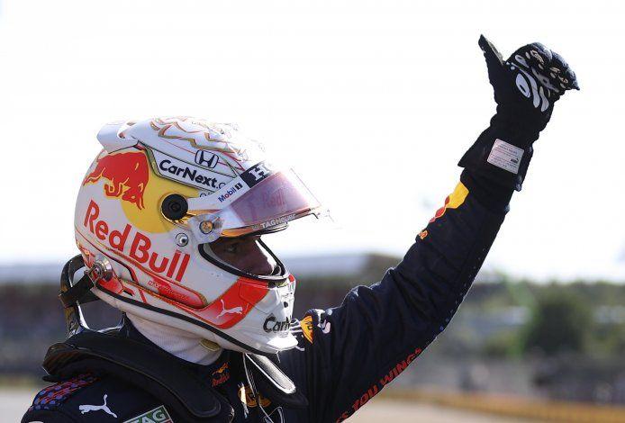Verstappen gana sprint y pole en GP Británico de Fórmula Uno