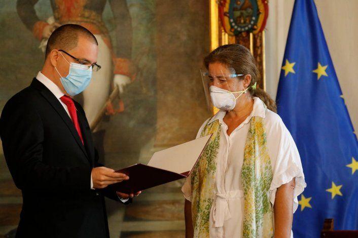 España advierte a Venezuela de que la expulsión de la embajadora de la UE aumentará su aislamiento