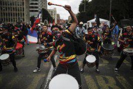 resurgen protestas en colombia por nuevo plan fiscal