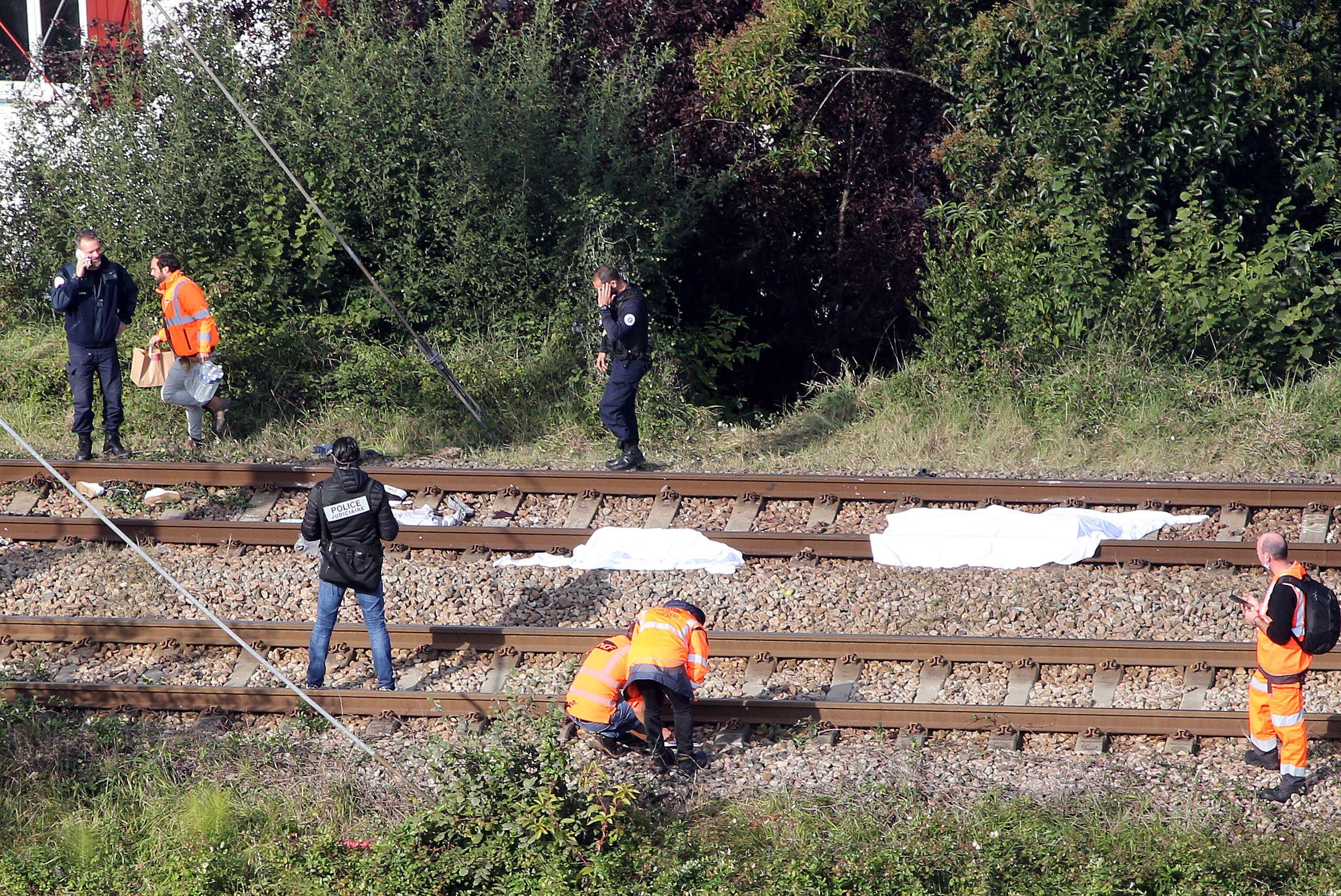 mueren 3 atropellados por tren en francia