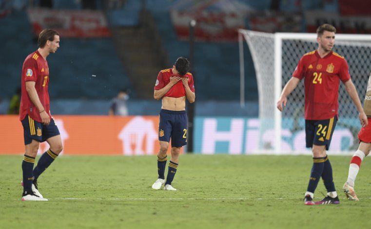 Jugadores de España responden a críticas de van der Vaart