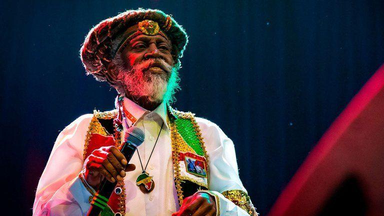 Murió la leyenda del reggae Bunny Wailer, fundador junto a Bob Marley de la banda The Wailers