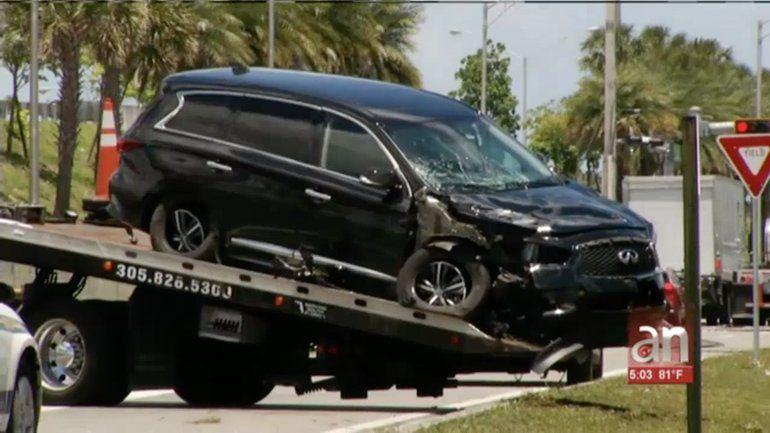 Ladrón que robó un vehículo con un bebé dentro fue detenido después que chocó contra un poste