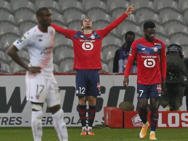 Lille golea 4-0 al Lorient y es segundo en Francia