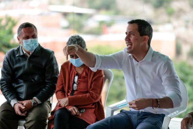 Guaidó replicó: Amenacen todo lo que quieran que nosotros seguimos aquí trabajando