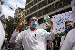 medicos unidos de venezuela alertaron que la pandemia esta fuera de control