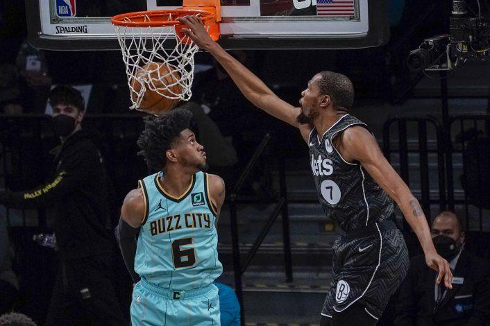 Durant y Harris llevan a Nets a victoria sobre Hornets