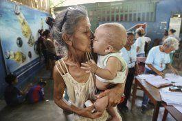 madres venezolanas celebran su dia trabajando
