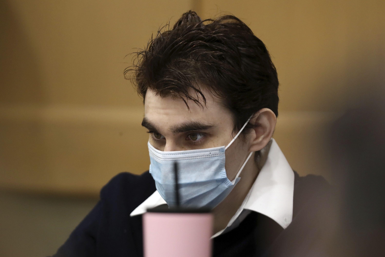 se retrasa juicio a acusado de matanza en florida