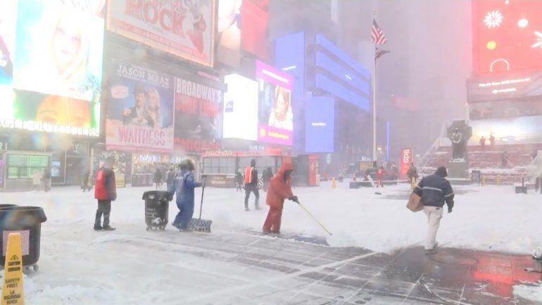 Nueva York declara el estado de emergencia ante la llegada de la bomba ciclónica invernal