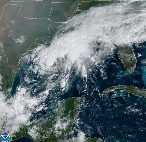 Tormenta Tropical Beta pone en alerta a las costas de Texas