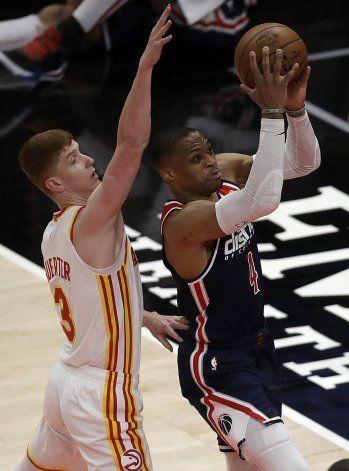 Westbrook supera récord de Robertson en derrota de Wizards