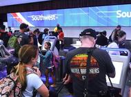 cancelacion de vuelos de southwest airlines afecta a cientos de pasajeros en el aeropuerto de miami