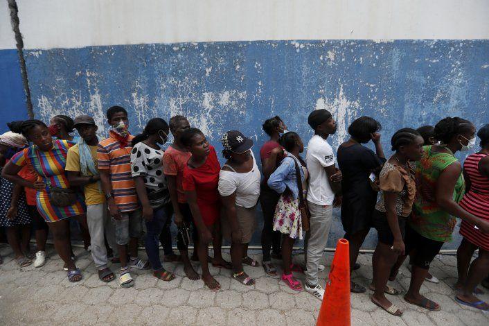 El expresidente Aristide regresa a Haití, recuperado