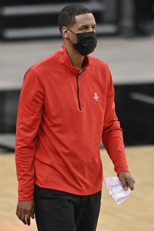 Rockets piensan en su futuro tras partida de Harden a Nets