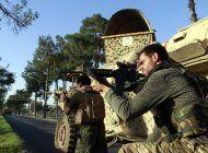 afganistan bombardea posiciones del taliban en el sur
