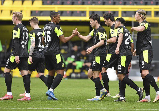 Dortmund beats Bremen 4-1, revives Champions League hopes