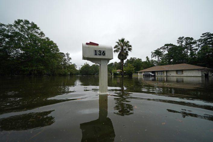 Tormenta Claudette deja 12 fallecidos en el sureste de EEUU