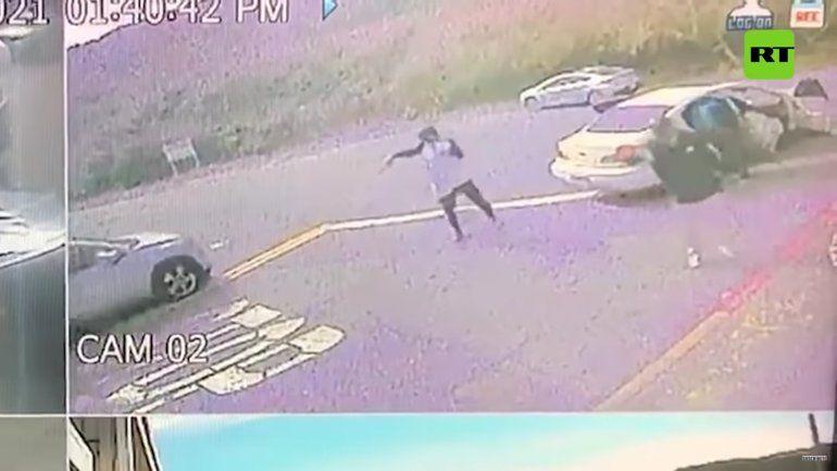 VIDEO: Asaltan a punta de pistola a un reportero que informaba sobre robos en San Francisco