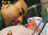 beatriz luengo da a luz a su segunda hija junto a yotuel romero