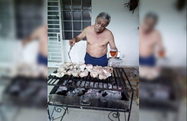 Ex espía del régimen cubano disfruta de asado popular por el Día de los Padres