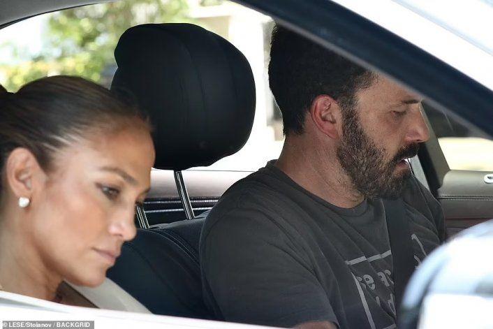 JLO y Ben Affleck buscan mansión en L.A.