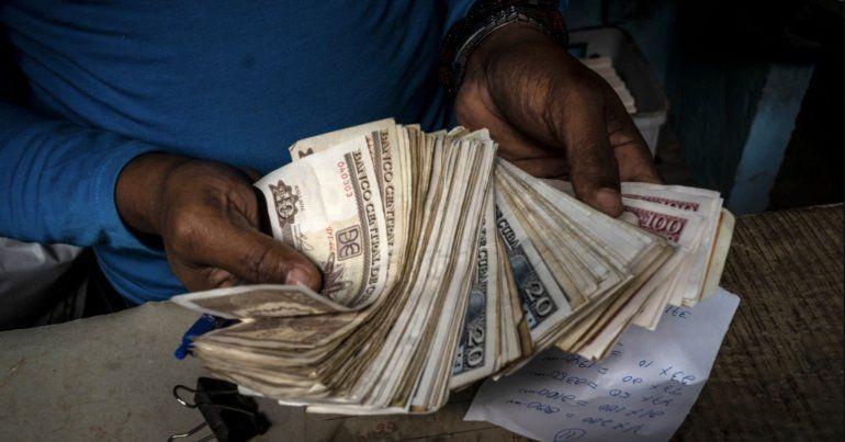 Aumenta el valor del Euro en Cuba tras anuncio del gobierno de no aceptar depósitos en dólares
