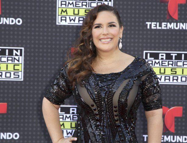 Angélica Vale le dedica su estrella a México