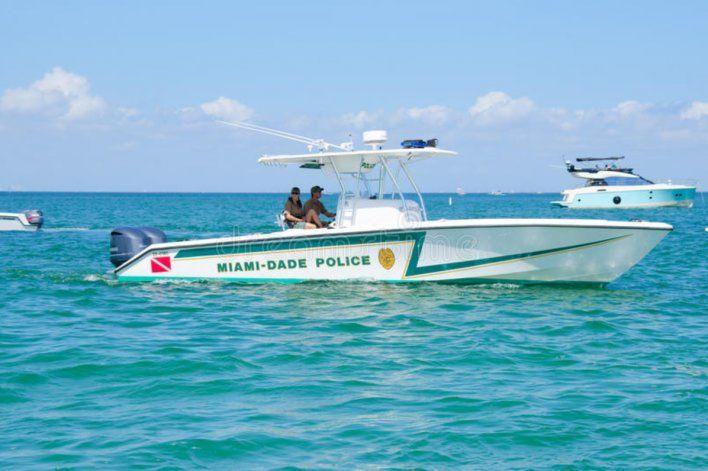 Hallan cuerpo de mujer flotando en la bahía de Biscayne
