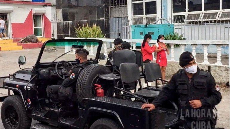 Régimen cubano arresta y vigila a todos los miembros del Movimiento San Isidro