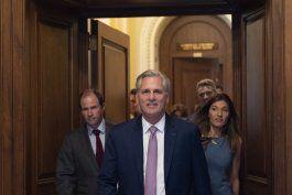 proponen a republicanos para investigar asalto al capitolio