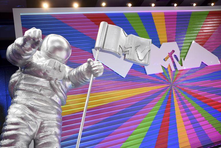 Justin Bieber hace un regreso triunfal a los VMA de MTV