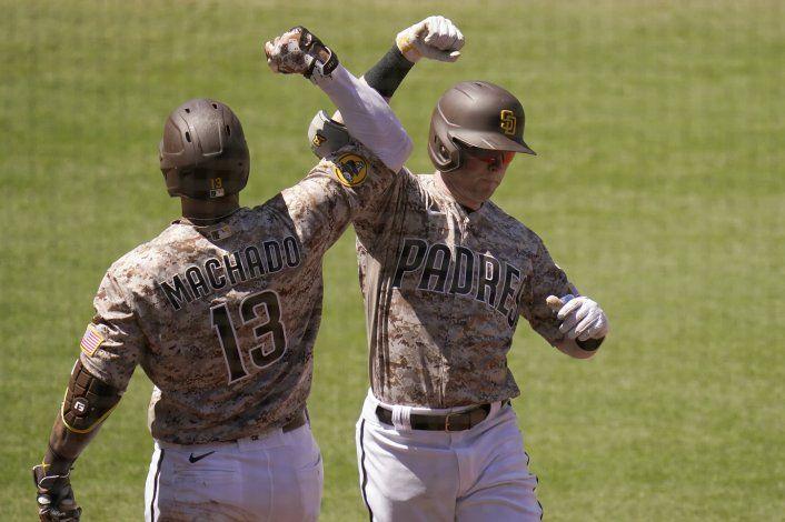 Hosmer responde y Padres evita la barrida ante Dodgers
